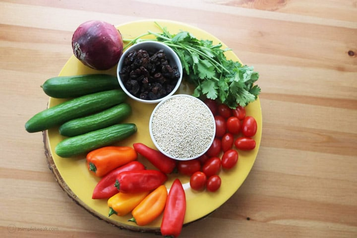 This-vegetarian-quinoa-salad-is-a-great-source-of-fiber