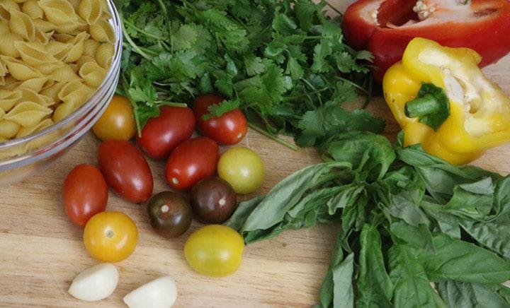 Fresh-ingredients-for-pasta-recipe