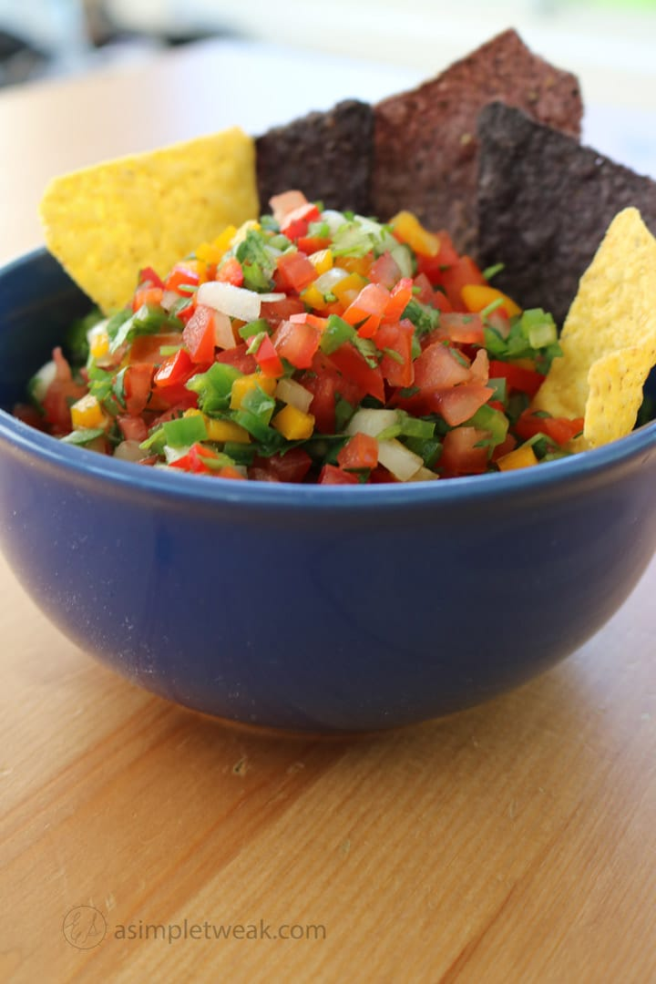 Grab-your-chips-and-enjoy-this-fresh-and-healthy-salsa!