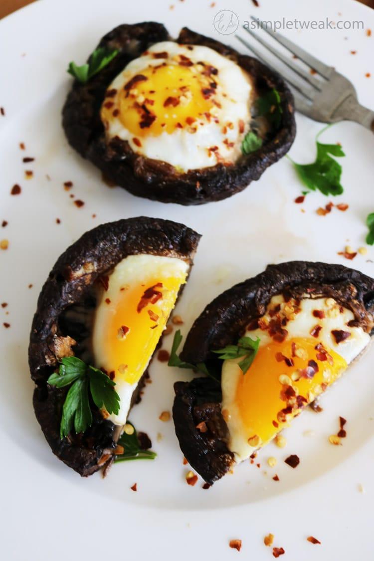 Eggs Baked in Portabello mushroom