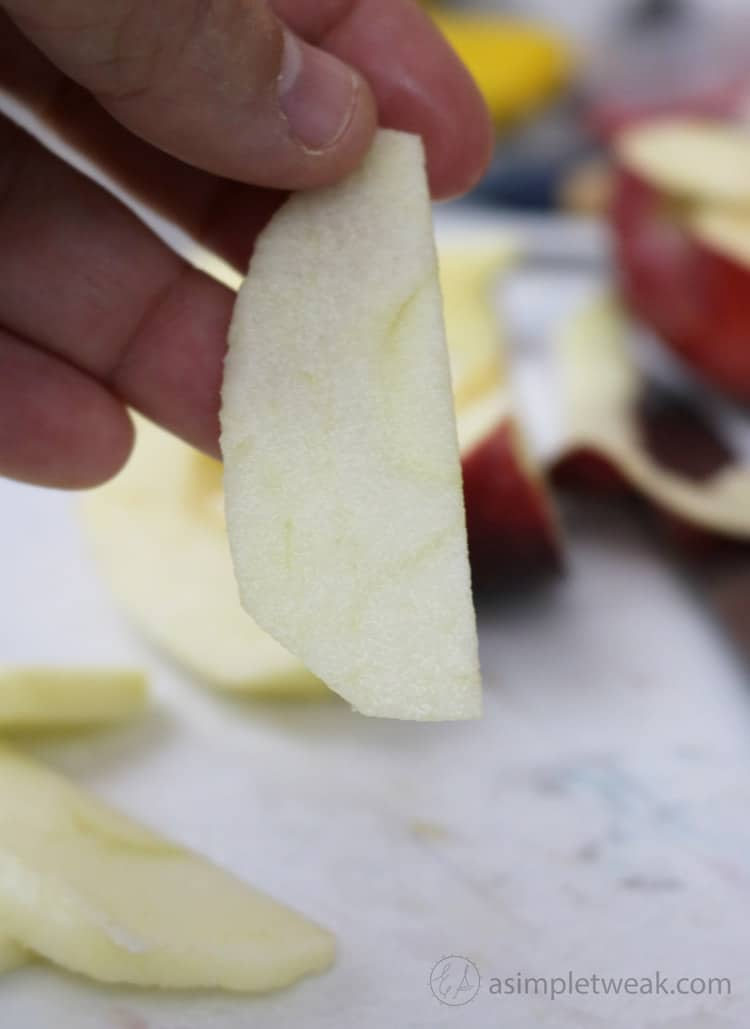 I-cut-3-apples-into-thin-slices