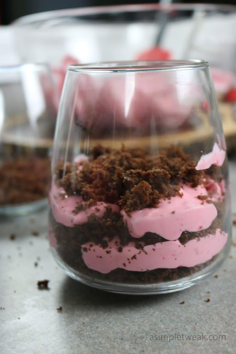 easy-chocolate--raspberry-mousse-dessert