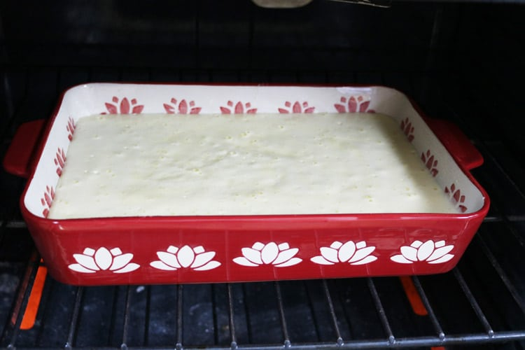 place-tres-leches-in-the-oven